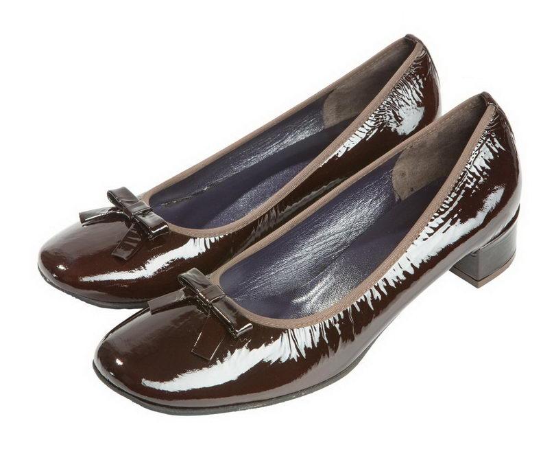 Женские туфли АМ13902 из лакированной кожи Martina
